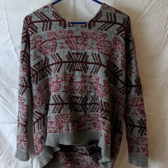 American Eagle Outfitters Sweaters - American Eagle pull over hooded sweater